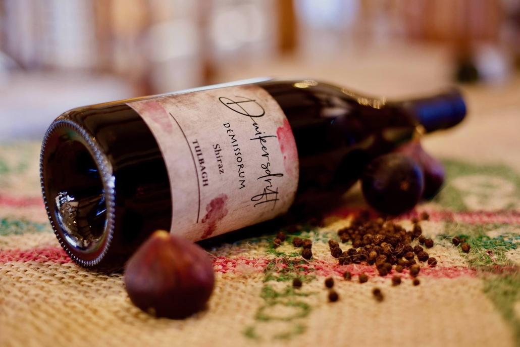 Winebottleonside
